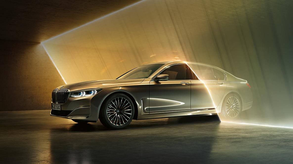 một trong những điểm mạnh của BMW 7 Series lad động cơ xe mạnh mẽ ưu việt