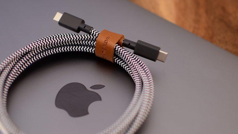 Bảo quản dây sạc MacBook đúng cách