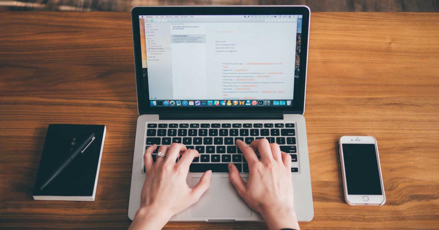Phương pháp làm sạch bàn phím MacBook cơ bản
