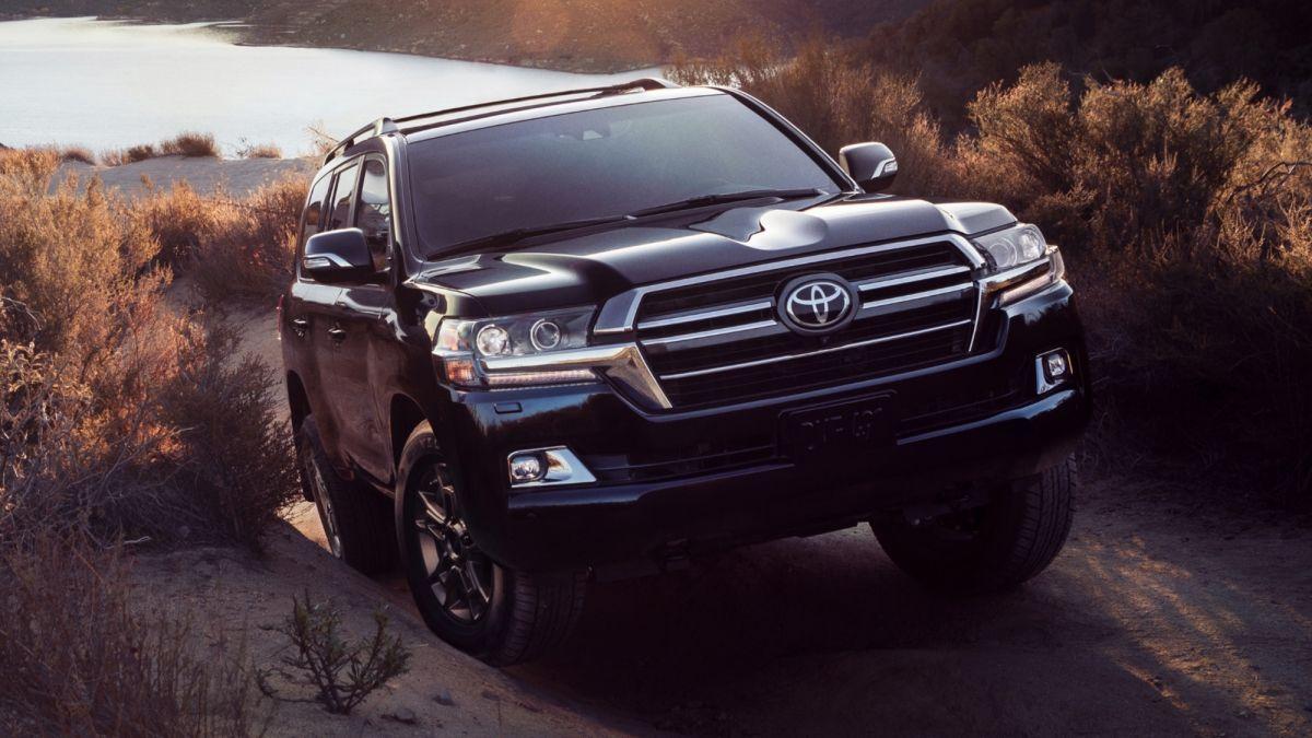 Toyota Land Cruiser có thiết kế nam tính, mạnh mẽ